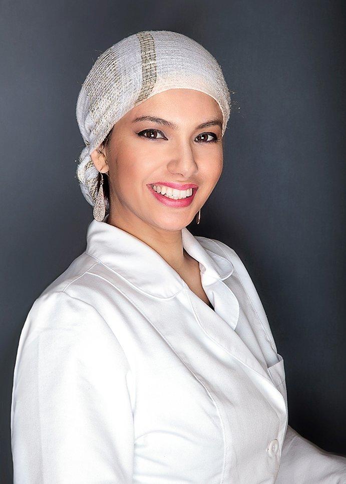 Dr. Elizabeth Escarria
